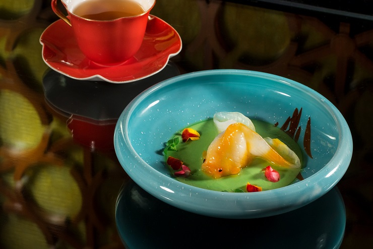 The scallop goldfish dumplings with shrimp and scallop filling at Shang Palace (Photo: Shang Palace)