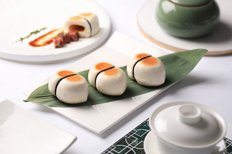 Innovative dim sum, such as pan-fried Wagyu buns with barbecued sauce, are served at Cuisine Cuisine at The Mira (Photo: Cuisine Cuisine at The Mira)