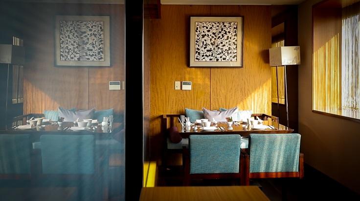 請客樓的菜色多、座位數也多,管理其實不是一件容易的工作。但林菊偉講究的,是重視基本功與細節,以及親力親為的帶領團隊哲學。