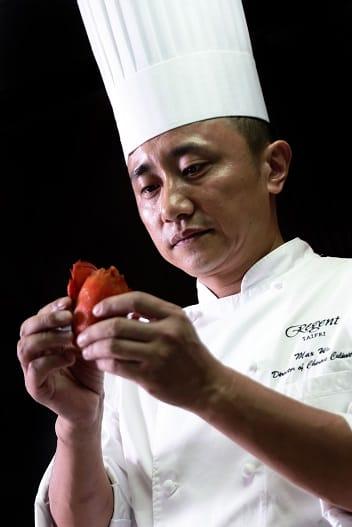 擁有超過三十年粵菜經驗的港籍廚藝總監—鄔海明.JPG