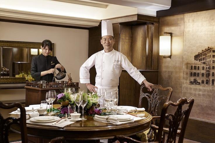 嘉麟樓推出「廚師之桌」,客人可與林鈺明一起逛街市、做點心,進餐時亦提供泡茶及一連串桌邊服務。
