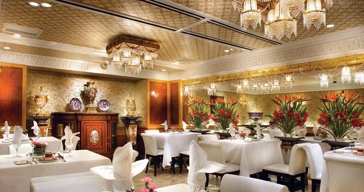 台南担仔麵歐式宮廷內裝以及高級餐具,是一大特色。(照片來源:米其林指南網站)