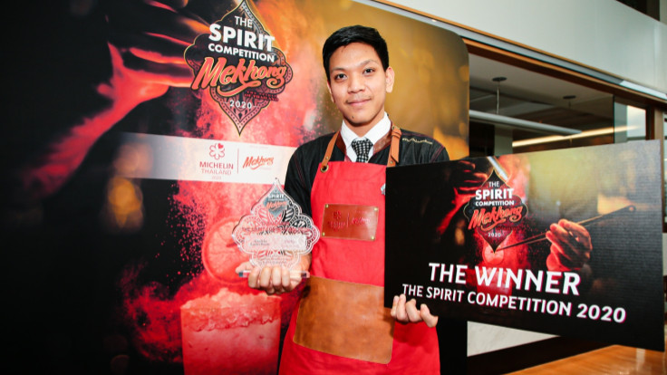 The winner of Mekhong the Spirit Competition 2020, Khun Saharat from FindTheLockerRoom.