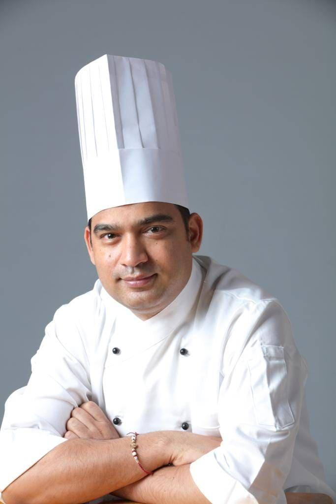 Saffron 46_ 印度籍主廚 CHEF Sudhir(1).jpg