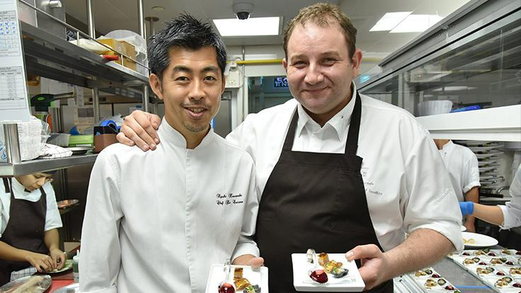 Chef Ryuki (left) and Chef Arnaud (right) have been friends for a long time. In 2018, they collaborated for the very first edition of the MICHELIN Guide Dining Series.