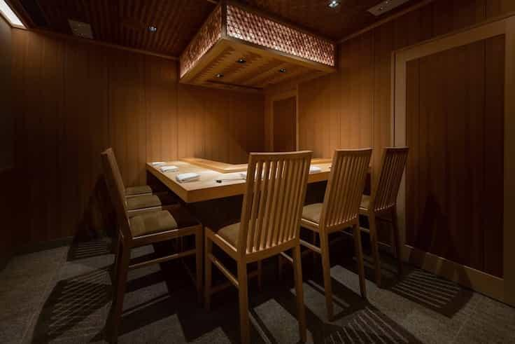 Three-MICHELIN-starred Sushi Shikon continues to deliver first-rate food after the sushi-ya's relocation from Sheung Wan to a prestigious new space in the Landmark Mandarin Oriental in 2019. (Pic: Sushi Shikon)