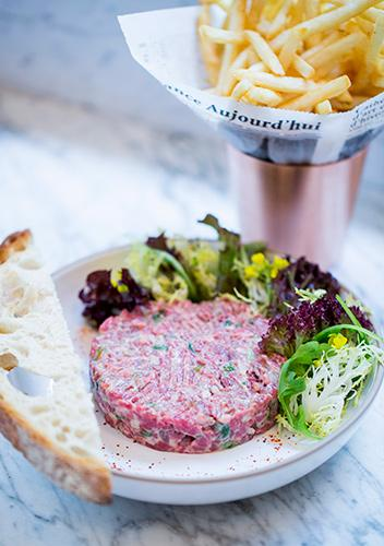Hand-Chopped-Beef-Tartare-PC-Pierre-Monetta-SIDE.jpg