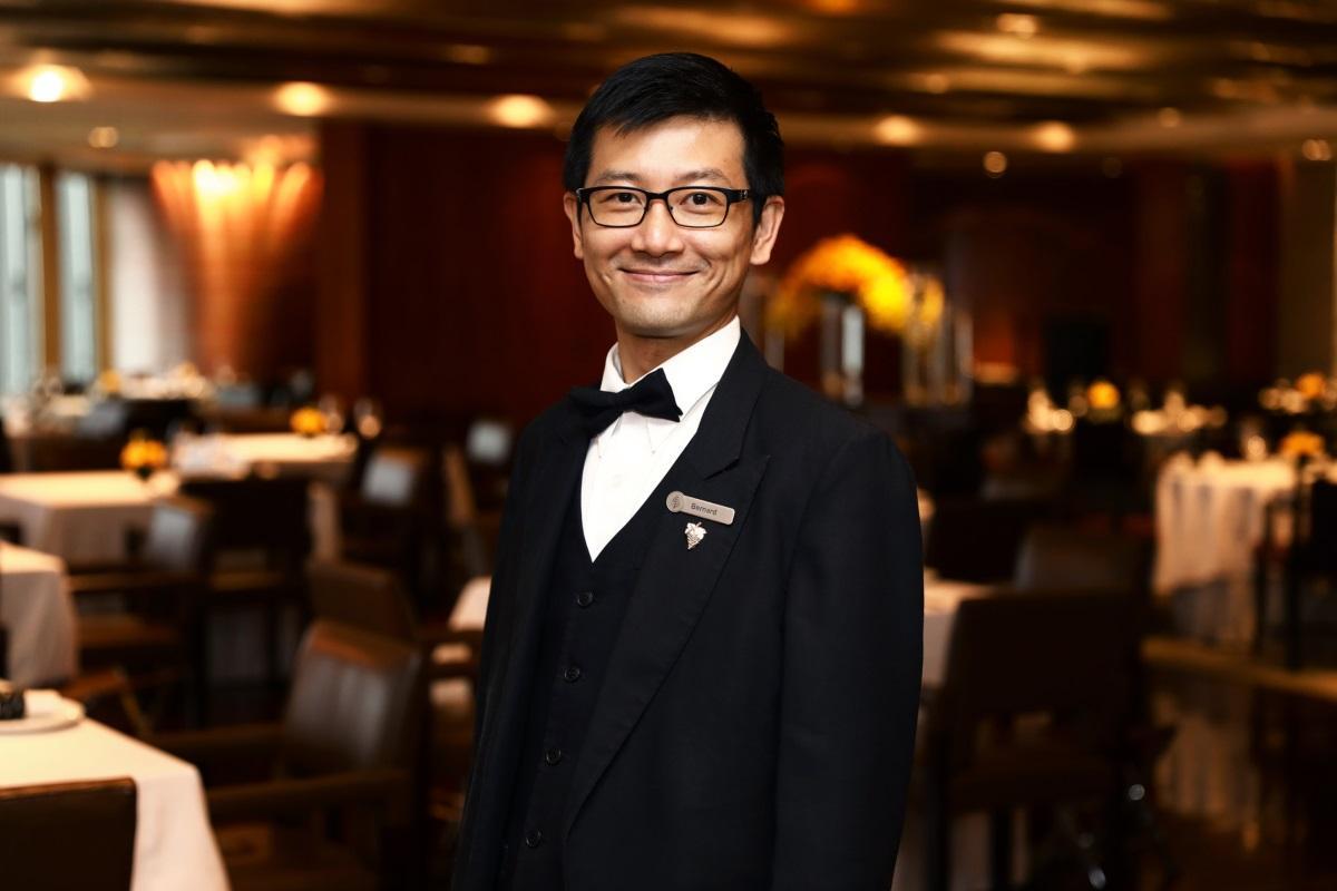 香港米芝蓮三星餐廳龍景軒首席侍酒師 Bernard Chan 發現,全球來說,人們對自己健康更加重視,例如會選擇低糖度的葡萄酒或香檳。(圖片來源:龍景軒)