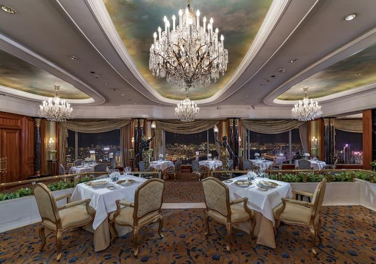 The main dining room of Petrus at the Island Shangri-la, Hong Kong. (Photo: Island Shangri-la, Hong Kong)