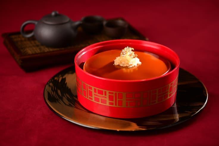 「金橘小青柑普洱年糕」是明閣今年推出的新賀年糕點。(圖片來源:明閣)