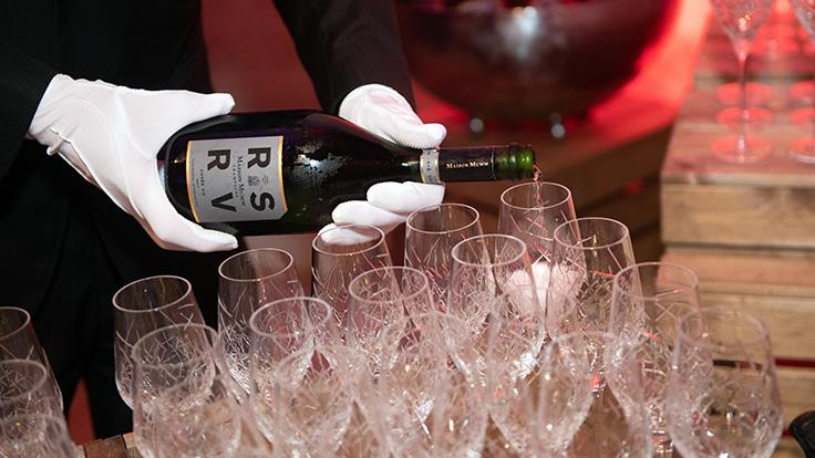 Guests raised a toast to the stars of the evening in style with RSRV Cuvée 4.5 Champagne.
