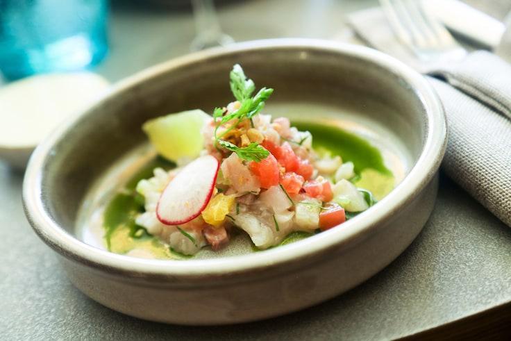 許多酸醃或生海鮮料理,像圖中的檸汁醃生魚片,都有辛香辣椒素成分。