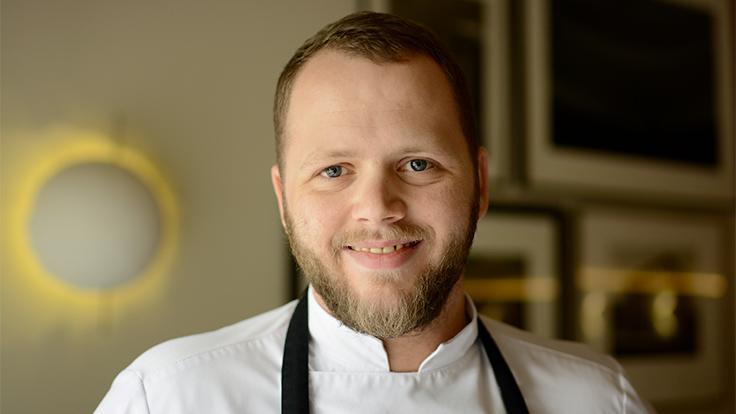 Une grande complicité unit Brandon Dehan, le chef pâtissier à Glenn Viel le chef cuisinier © G. Rouzeau / Michelin