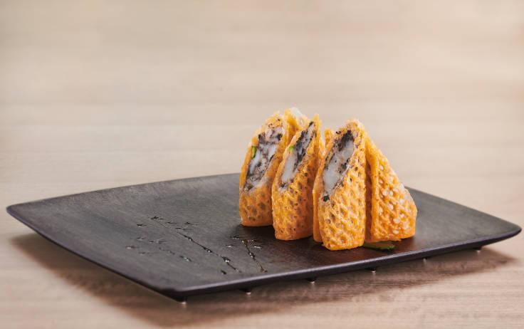 「潤」的招牌菜之一:松露醬龍蝦春卷