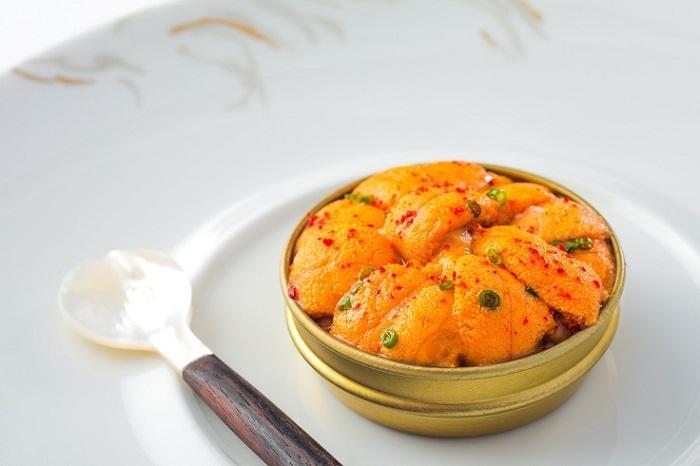 L'Envol 的情人節餐單,採用如北海道海膽等矜貴食材創作。(圖片來源:L'Envol)