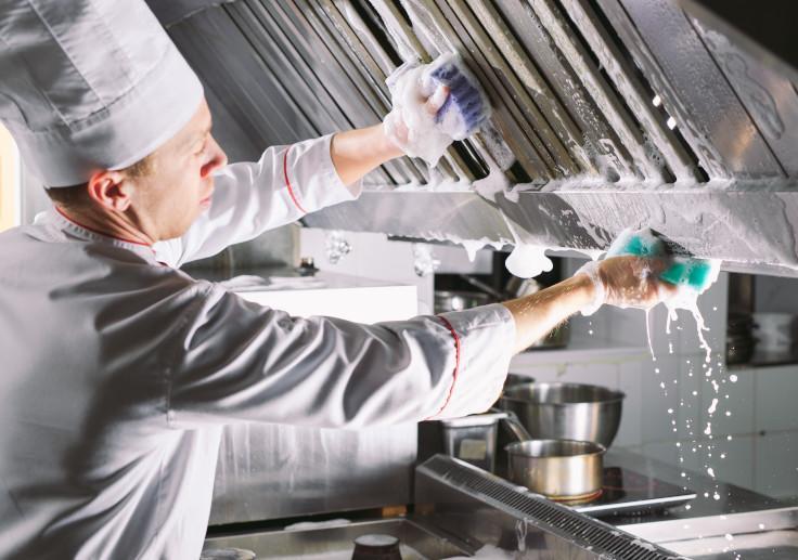 不少餐廳都增加了清潔及消毒的次數。