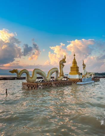 Phayao-Kwan Phayao (กว๊านพะเยา) 3380MK.jpg