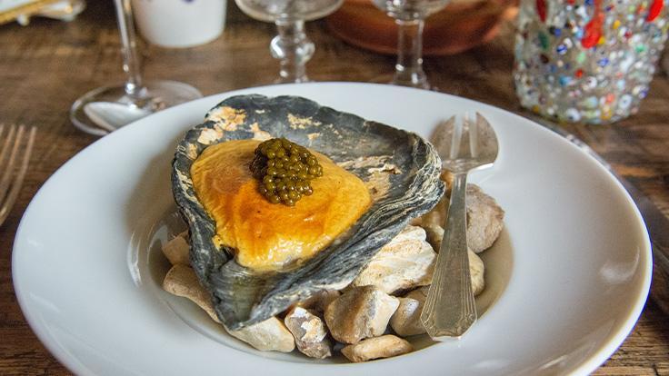 Huître de Veules-les-Roses, sabayon au Champagne, caviar © G. Rouzeau / Michelin