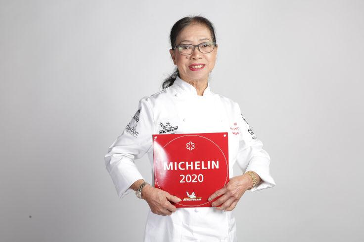 Supinya Junsuta, chef-owner of Thailand's only MICHELIN-starred street food stall, Jay Fai. (Photo: MICHELIN Guide Thailand)
