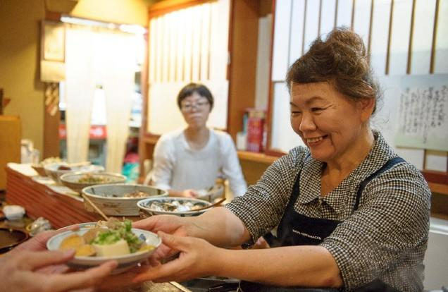 "The affable Michiyo Matsumoto offers Kyoto-style obanzai at her one-MICHELIN-starred Hokkoriya (Photo: Akane Yamakita/<a href=""https://discoverjapan-web.com/"">Discover Japan</a>)"