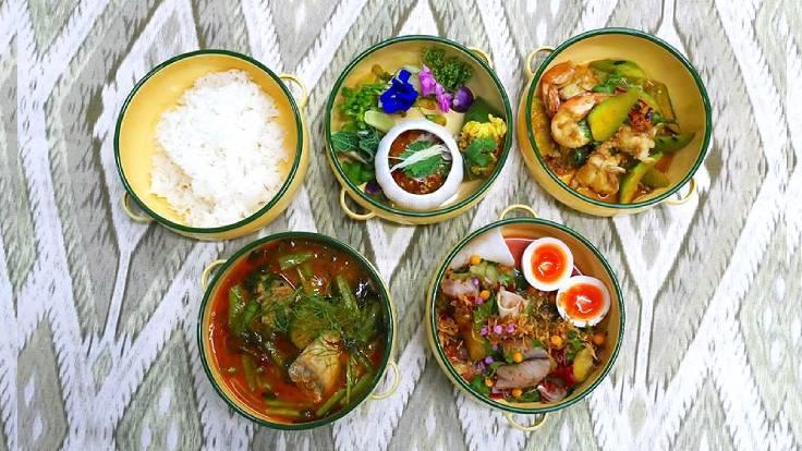 A set of freshly made Thai food of Bo.lan in Residence (©: Bo.lan)