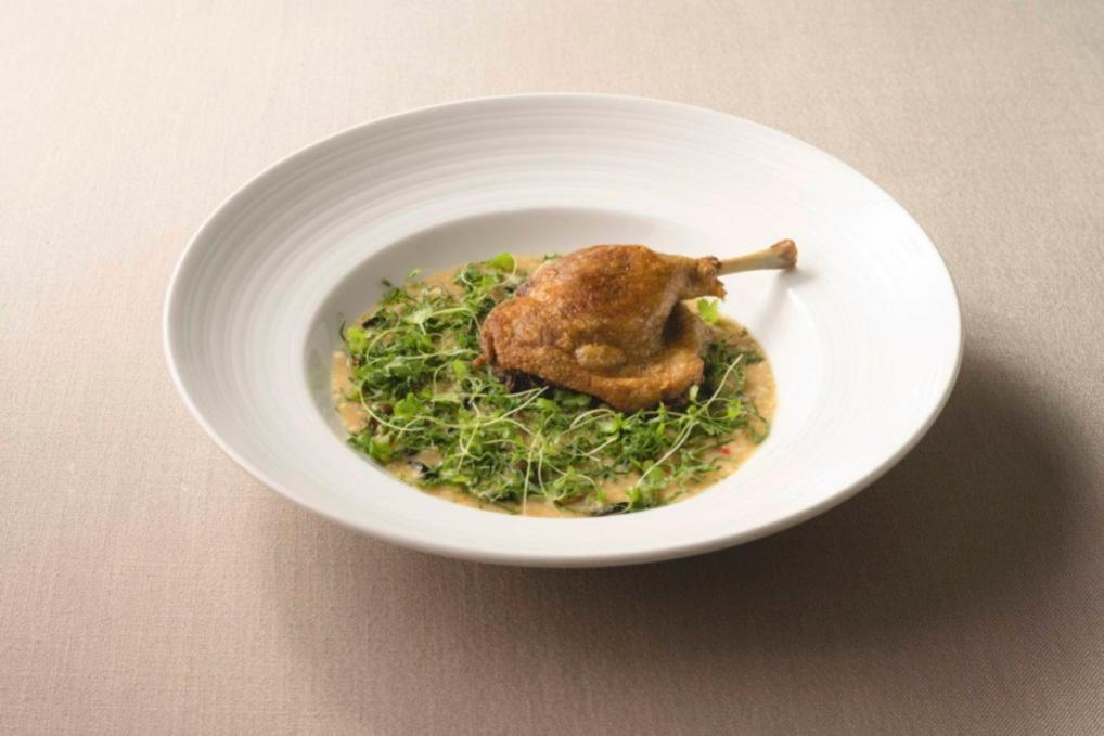 米其林餐盤推薦 Chou Chou 的經典菜色油封鴨腿,現在也可供外送。(圖片:Chou Chou )