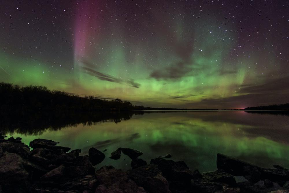 Northern Lights in the Manitoba sky © shannbil/iStock