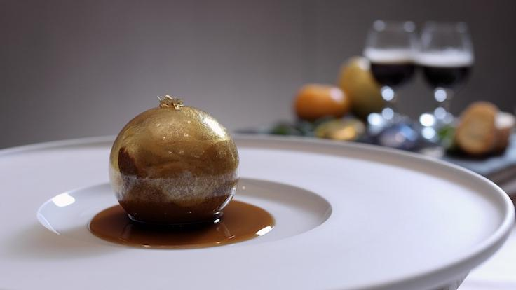 Les Amis' Sugar Sphere Featuring Nespresso Exclusive Selection Nepal Lamjung (Photo: MICHELIN Guide Digital)