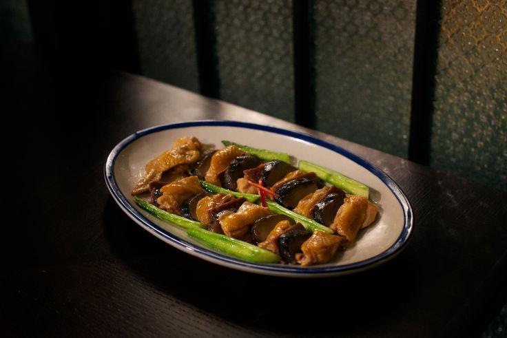 Jinhua Yushu Chicken at Yat Tung Heen (Photo: Yat Tung Heen)