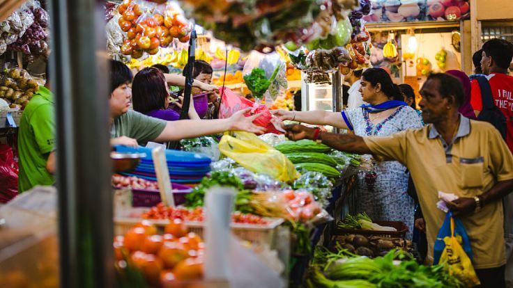 ตลาดสดในย่านลิตเติลอินเดียในสิงคโปร์ (© Shutterstock)
