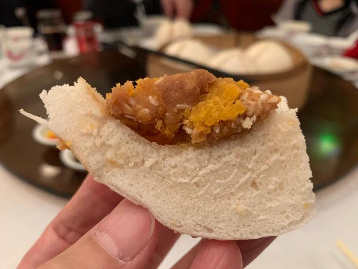 The unique texture of Luk Yu Tea House's sesame buns make them one of Yu's favourites (Photo: Yu Yat Yiu)