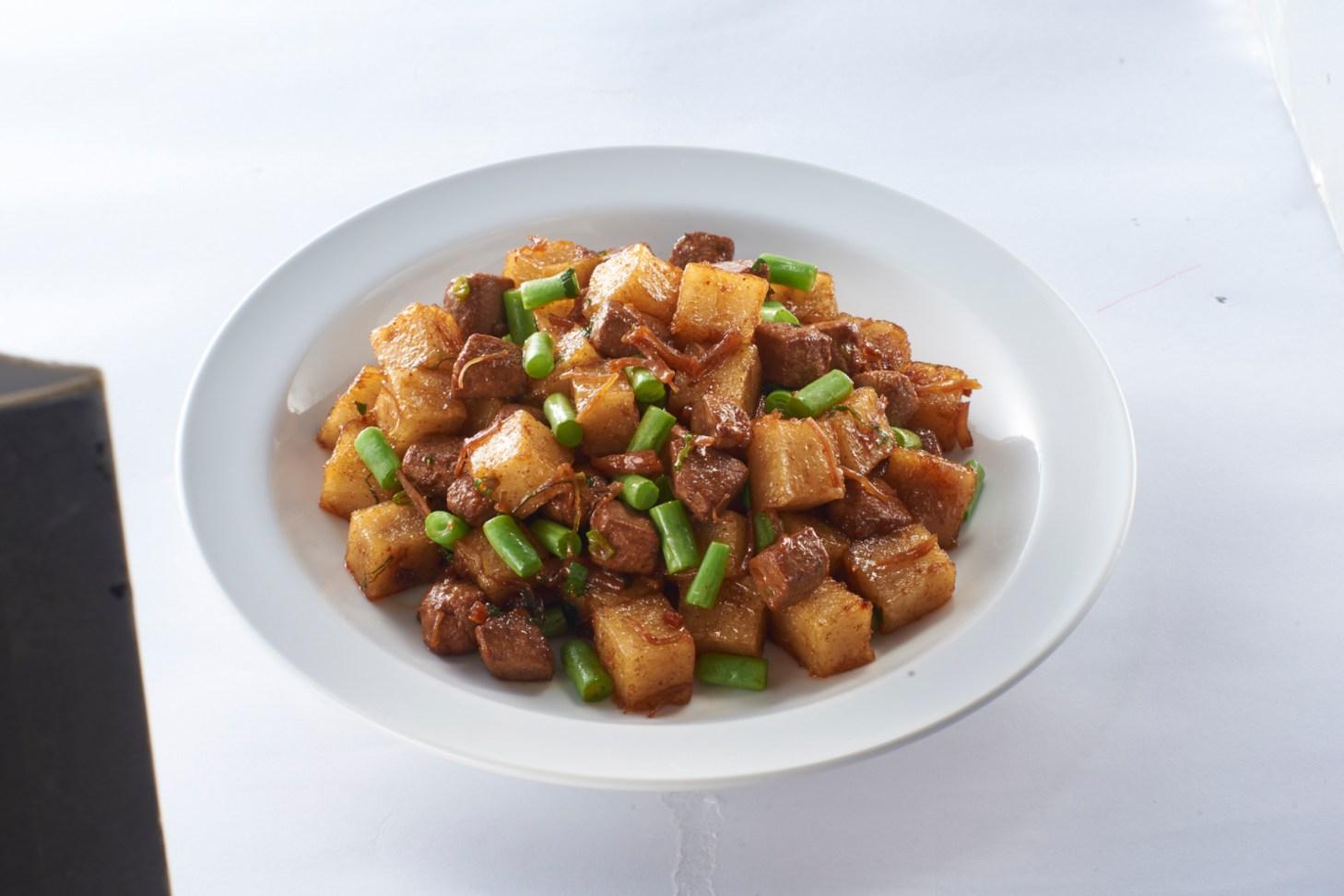 欣葉小聚今品的「XO 醬豬肝蘿蔔糕」,一道菜中能吃到干貝 XO 醬、豬肝與蘿蔔糕三種食材。(圖片:欣葉小聚今品提供)