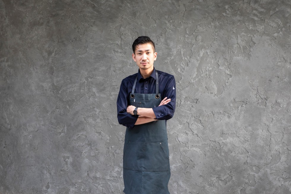 Head chef Tahara Ryogo of logy, which has been newly promoted to two MICHELIN stars in the 2020 guidebook. (Photo: logy)