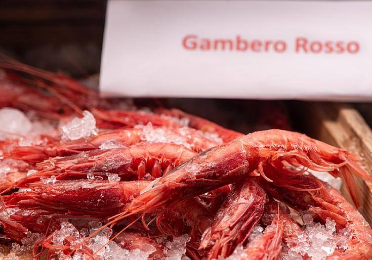 """""""Gambero rosso"""" กุ้งแดงจากมาซาราเดลวัลโลแถบเกาะซิซิลี (© Shutterstock)"""