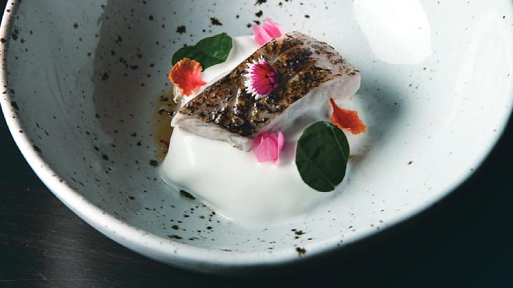 อาหารไทยบอกเล่าด้วยรูปแบบใหม่จากร้านฤดู (© Le Du)