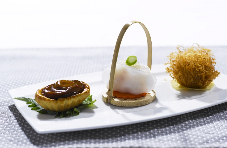 Dim Sum Platter of Baked Chicken Tart Baby Abalone, Shrimp Dumpling Bird's Nest, Deep Fried Yam with Garoupa from Summer Palace. (Photo: Regent Singapore)