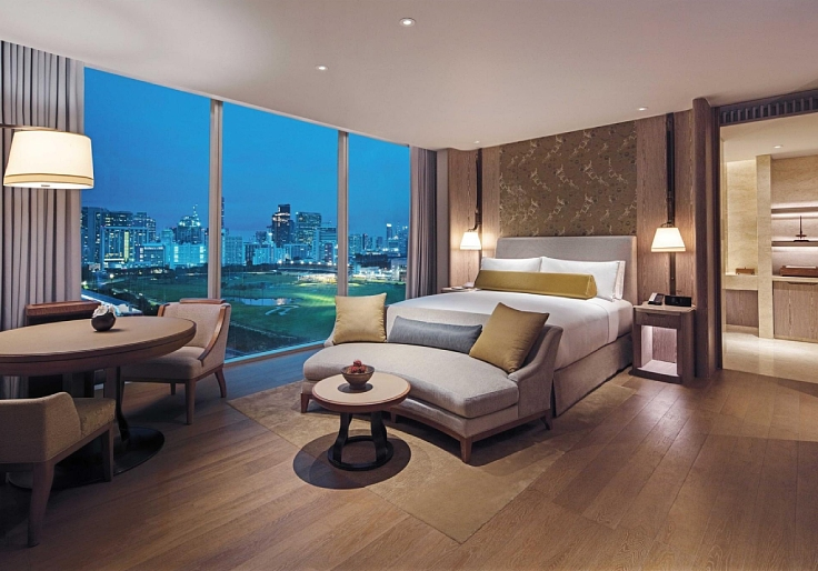 A view overlooking the greenery of the Royal Bangkok Sports Club from Waldorf Astoria. (© Waldorf Astoria Bangkok)