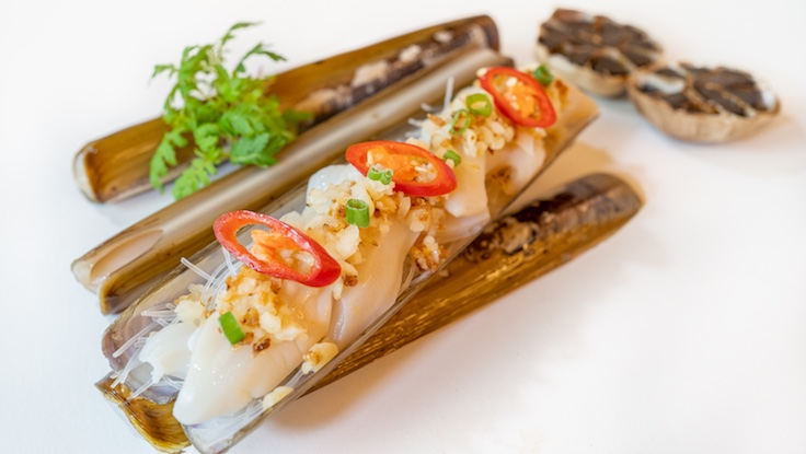 Steamed Bamboo Clam, Minced Garlic, Glass Noodles (Photo: Golden Peony)