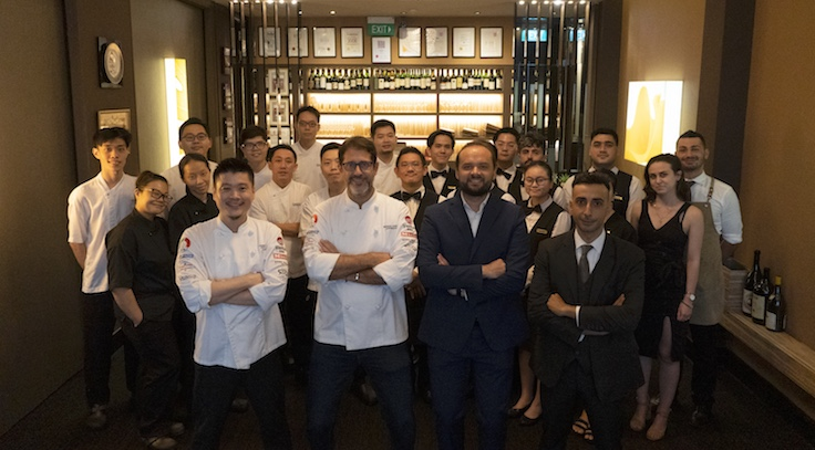 Chef Roberto Galetti rallies his team to the same goals with motivational quotes. (Photo: Garibaldi)