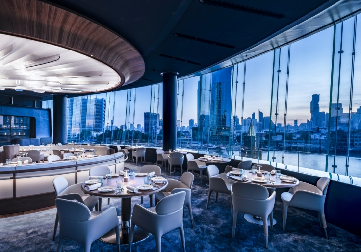 Blue by Alain Ducasse and its panoramic views of the Chao Phraya River. (© Blue by Alain Ducasse)