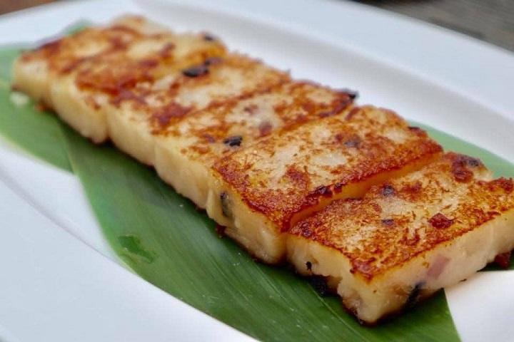富彩軒的港式蘿蔔糕,也提供年菜外帶。(圖片取自富彩軒臉書)