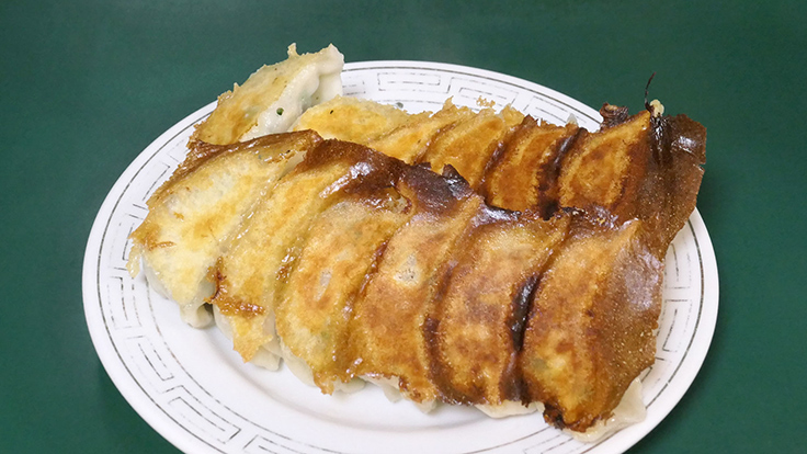 Pan-fried gyoza  © Michelin