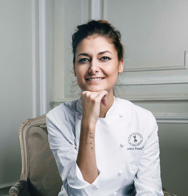 Jessica Prealpato, pâtissière (Alain Ducasse au Plaza Athénée) © Iannis G. Rea