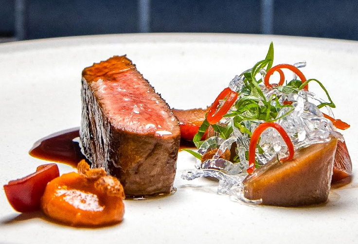 A borderless and beautifully crafted menu served at the restaurant. (© MICHELIN Guide Thailand)
