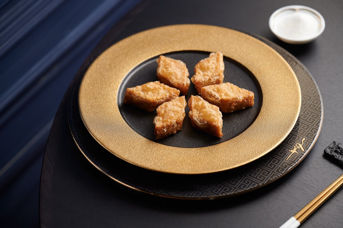 米芝蓮一星「文華廳」把經典食譜重新演繹,做出了餐單上這道新版的戈渣。
