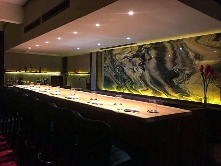 Discreet upstairs seats at Sushi Masato on Bangkok's Sukhumvit Road. (© Sushi Masato)