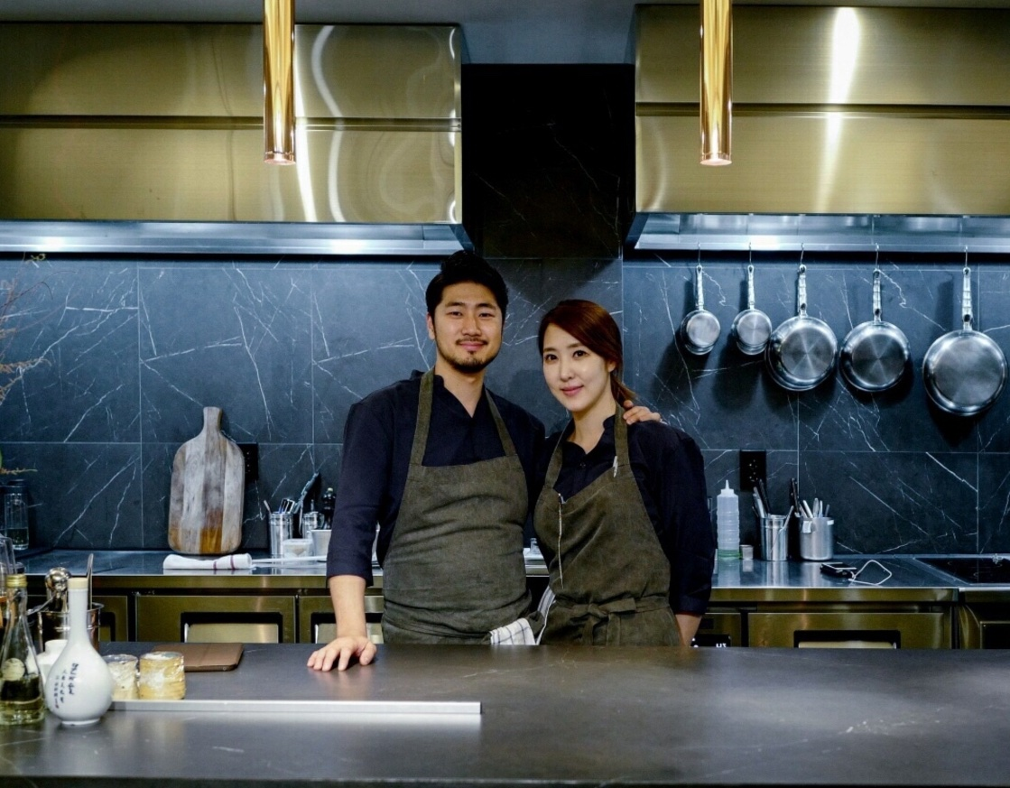 Yun Dae-hyun and Kim Hee-eun of MICHELIN Plate restaurant Soul