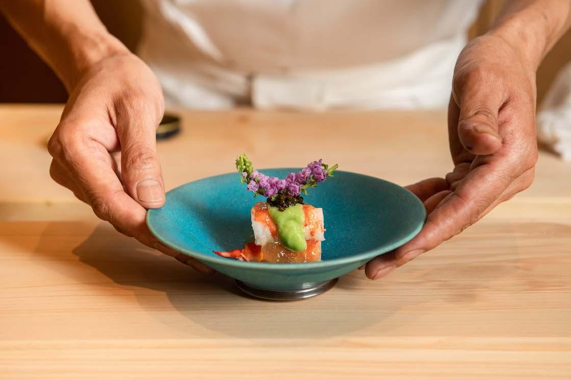 Kuruma shrimp with vinegar jelly (Photo: Zuicho)
