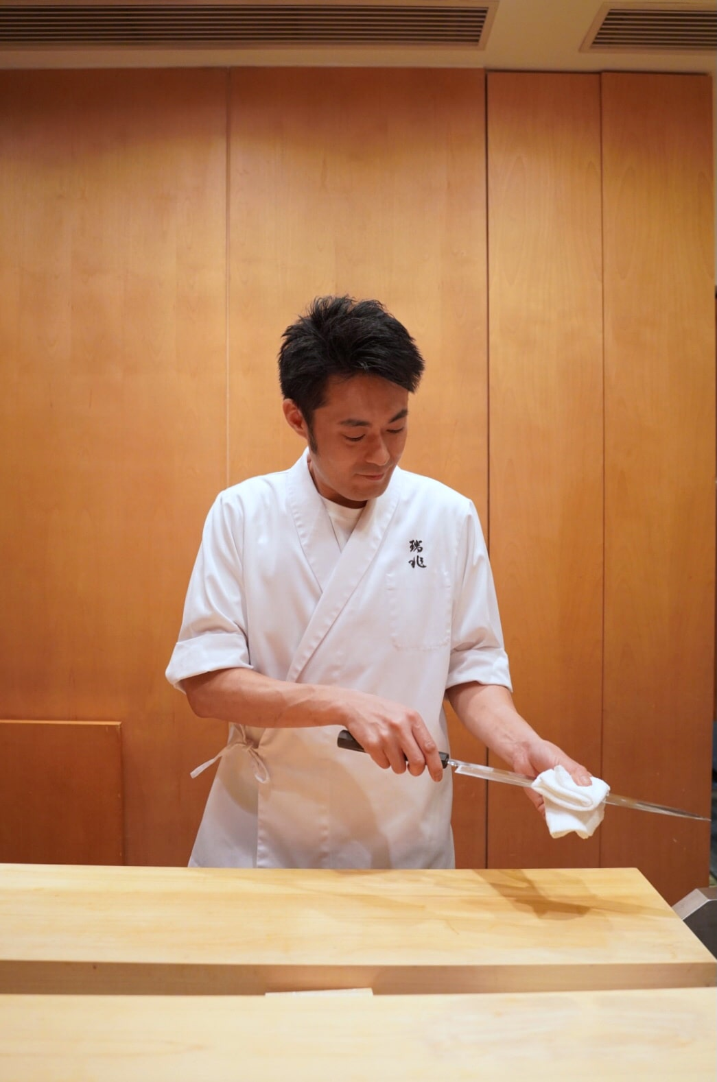 chef-suzuki-fumio-kappo-zuicho-michelin-one-star-hong-kong.jpg
