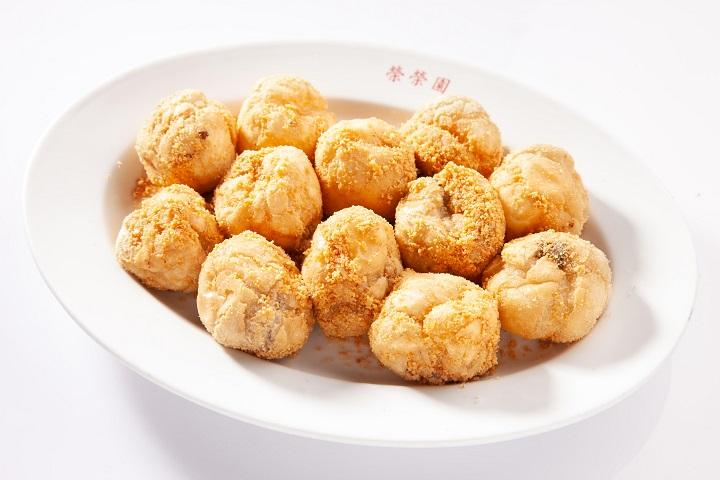 必比登推介餐廳榮榮園的招牌甜點炸元宵。(圖片:榮榮園提供)